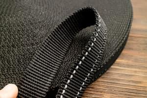 Стропа ременная 25 мм * 2,0 мм (черный со светоотражателем) от Магазин паракорда и фурнитуры Survival Market