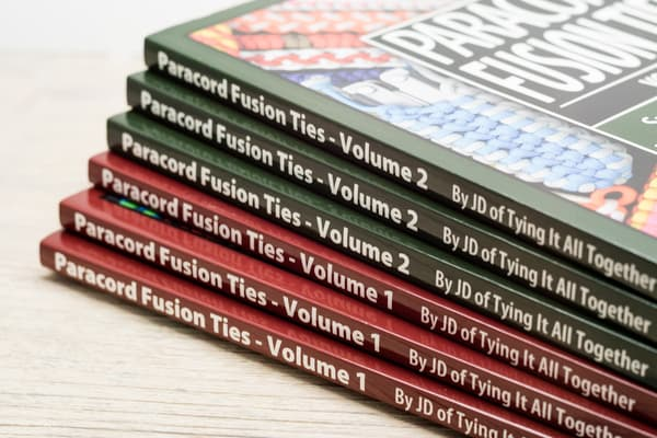 "Книга J.D. Lenzen - ""Paracord Fusion Ties"" Vol. 2 от Розничный SUR"