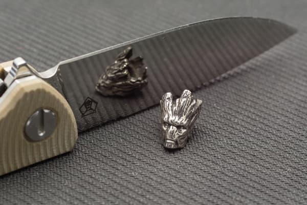 """Подвес на темляк """"Грут"""" белый металл от Магазин паракорда и фурнитуры Survival Market"""