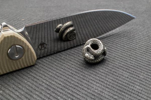 "Подвес на темляк ""Змея"" (белый металл) от Магазин паракорда и фурнитуры Survival Market"